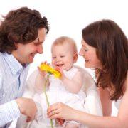 Cercasi genitori felici per bambini felici
